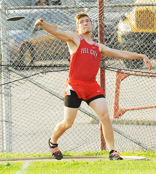 Wheatley unleashes in the discus.