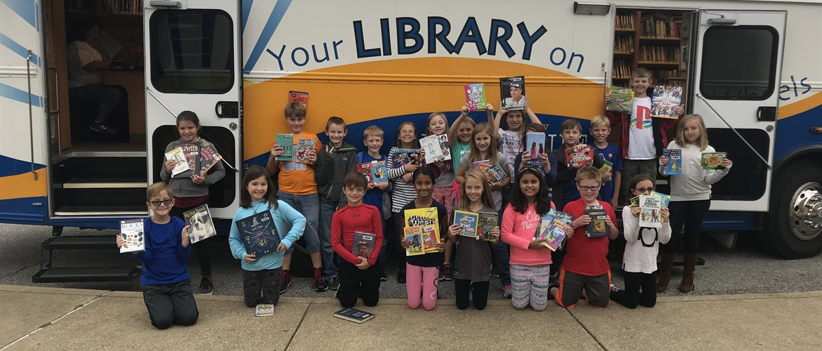 Bookmobile with Ms. Terry's class.