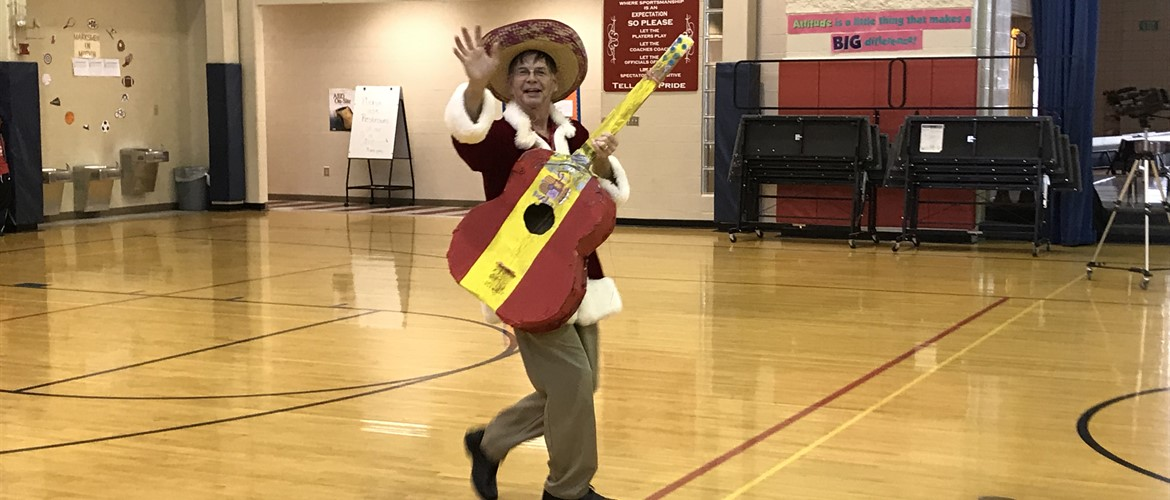 Students were entertained with a mini Feliz Navidad show.